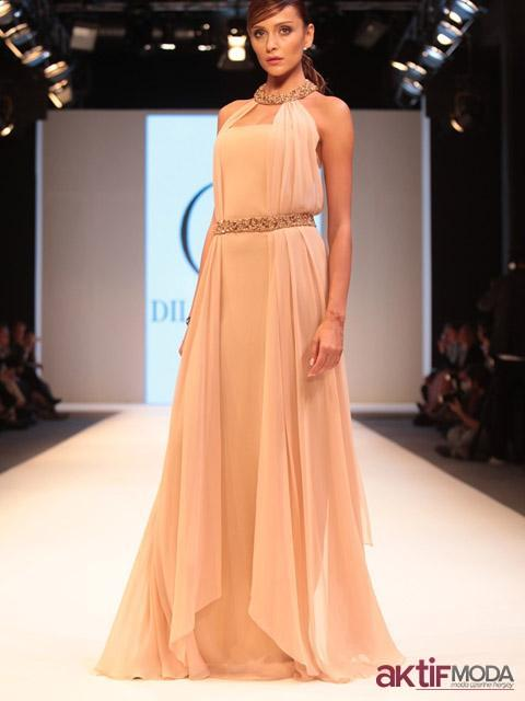 Pudra Rengi Kır Düğünü Elbise Modeli