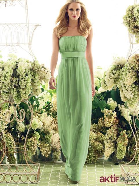Straplez Kır Düğünü Elbise Modeli