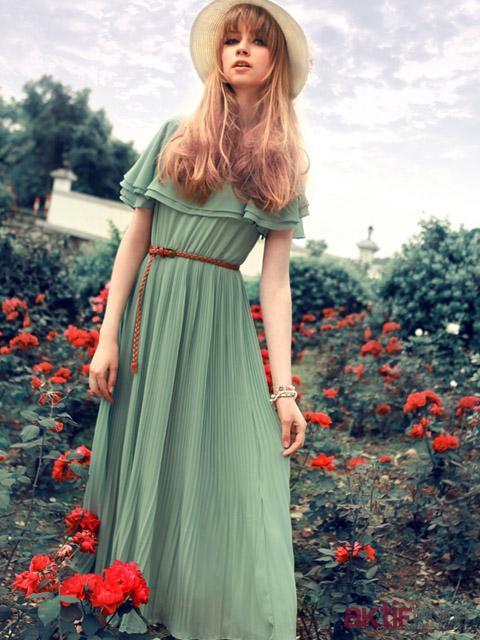 Yeşil Pileli Kır Düğünü Elbise Modeli