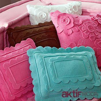 Kare Dekoratif Yastık Modelleri