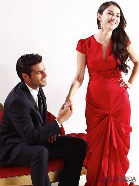 Kiraz Mevsimi Öykü Kırmızı Elbise