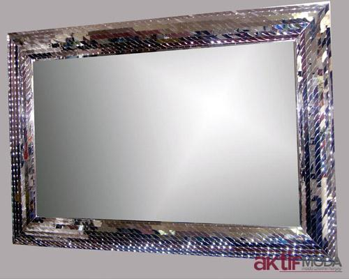 Parlak Çerçeveli Dekoratif Ayna Modelleri
