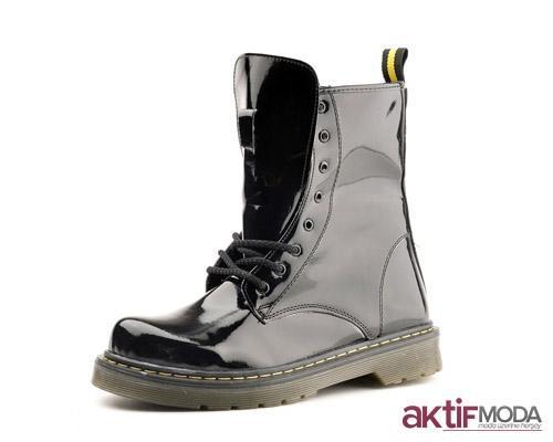 Parlak Kışlık Bayan Ayakkabı Modelleri