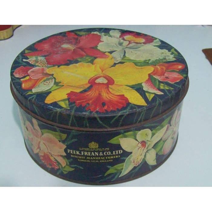 Çiçekli Teneke Kutu Dekorasyonu