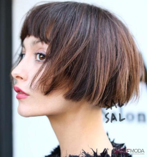 Kısa Katlı Saç Modelleri