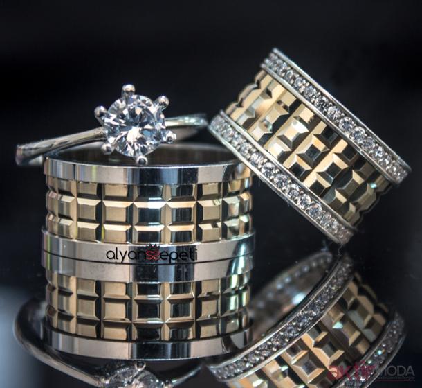 Kareli Nişan Yüzüğü Modelleri