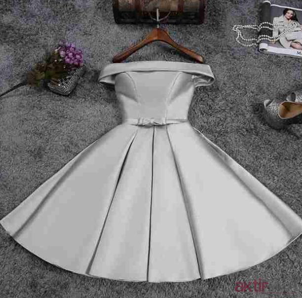 Pileli Mezuniyet Elbisesi