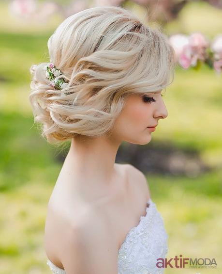 Sarışın Düğün Saç Modelleri