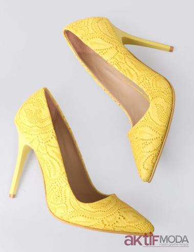 Sarı İşlemeli Stiletto Modelleri