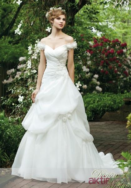 Düşük Omuz Kır Düğünü Gelinlik Modelleri