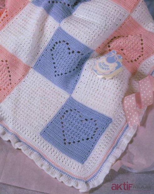 Kalp Desenli Örgü Bebek Battaniyesi Modelleri