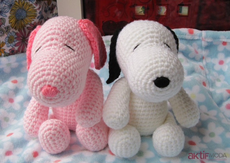 Renkli Amigurumi Snoopy Oyuncak