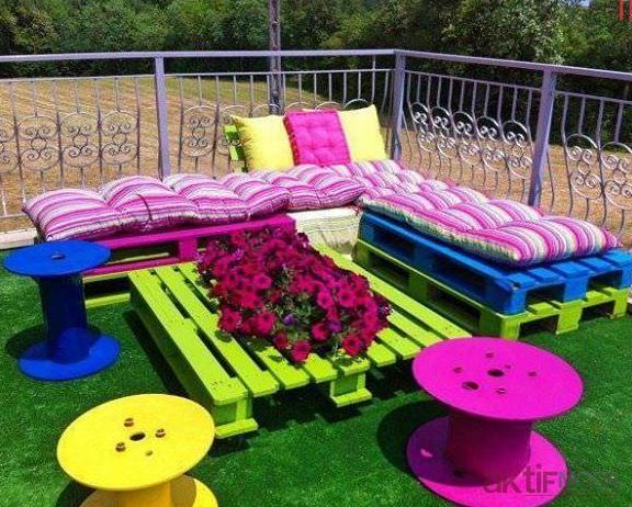 Tahta Palet İle Bahçe Mobilyaları