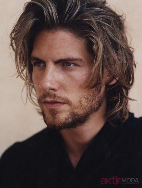 Uzun Dalgalı Erkek Saç Modelleri
