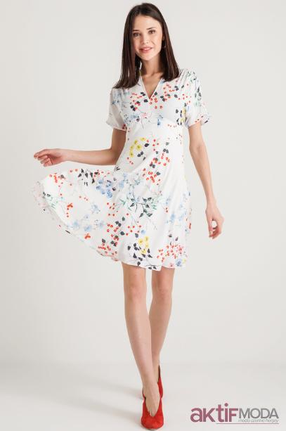 Çiçekli Kloş Elbise Modelleri 2019
