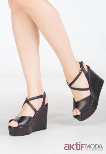 Siyah Dolgu Topuk Ayakkabı Modelleri 2019