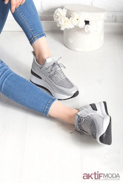 2019 Kadın Taşlı Spor Ayakkabı Modelleri