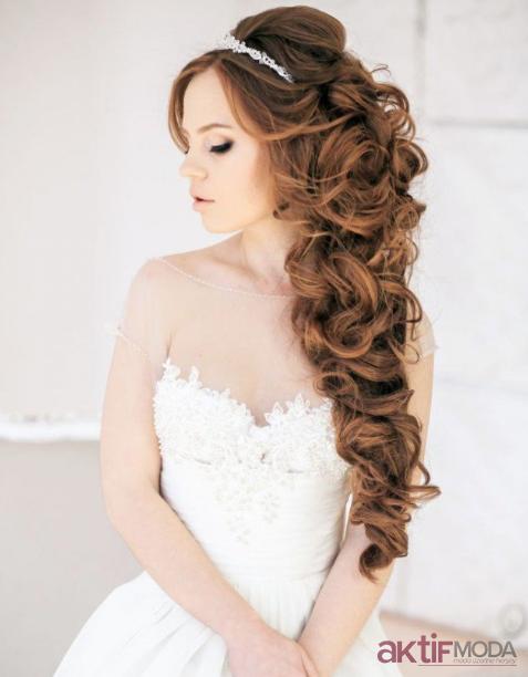 Kıvırcık Gelin Saçı Modelleri 2019