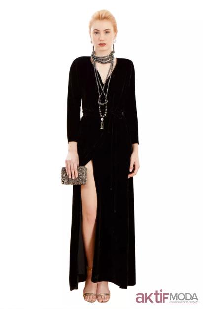 Siyah Dekolteli Kadife Elbise Modelleri 2019