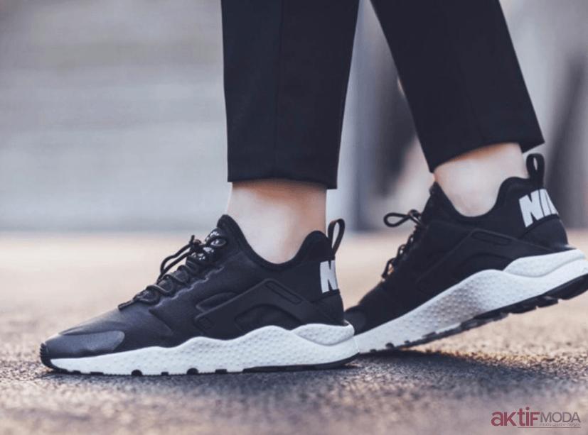 Siyah Spor Ayakkabı Modelleri 2019