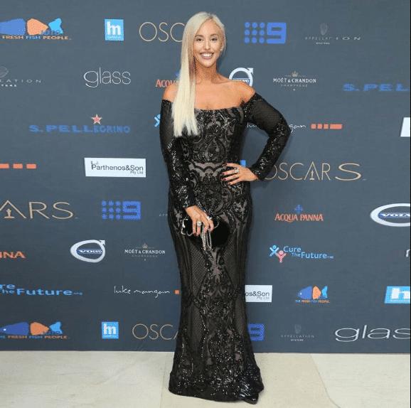 Kapalı Omuz Abiye Elbise Modelleri 2020