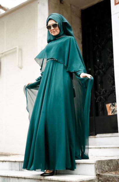 Mavi Pelerinli Abiye Elbise Modelleri 2020