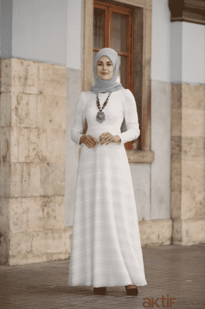 Beyaz Dantelli Tesettür Abiye Modelleri 2020