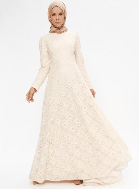 Beyaz Dantelli Tesettür Elbise Modelleri 2020