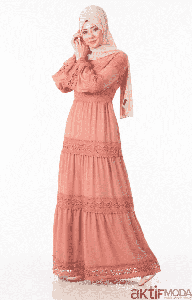 Dantel İşlemeli Tesettür Elbise Modelleri 2020